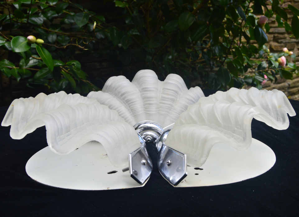 Set of 3 Opaque Art Deco Shell Wall Lights