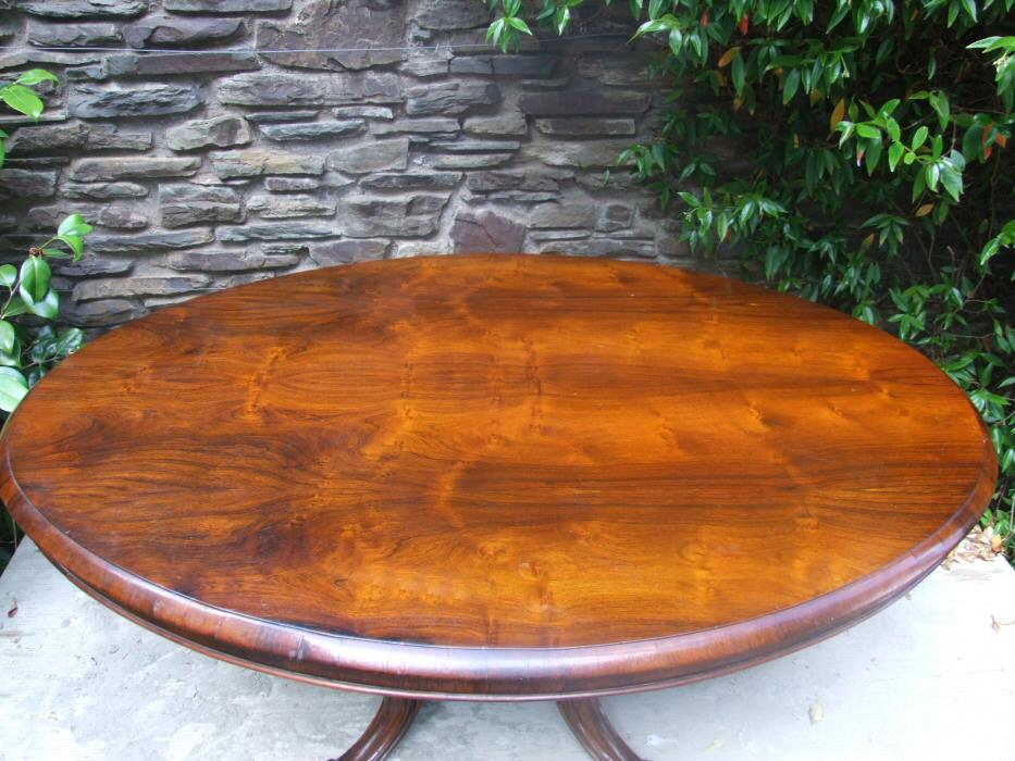 Circa 1850 Fine Quality Early Victorian Rosewood Breakfast Table